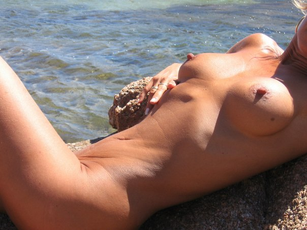 Mature naked 48 years old Ira on the beach 2 photo