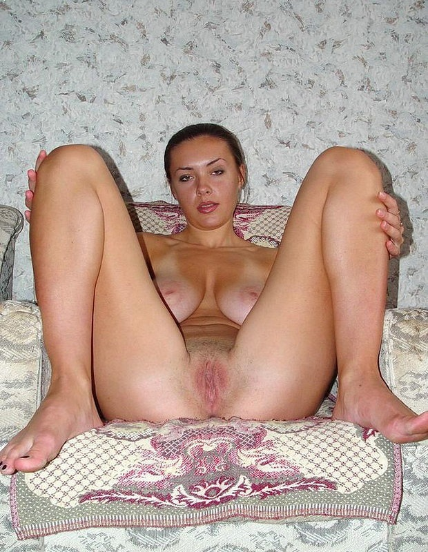 Naked beautiful wives at home waiting for husbands 17 photo