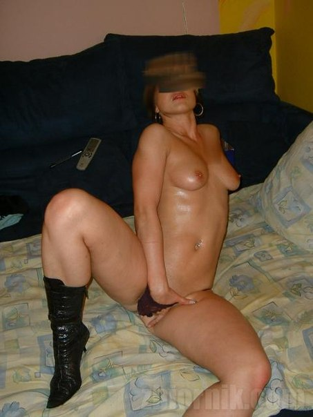 Naked beautiful wives at home waiting for husbands 18 photo