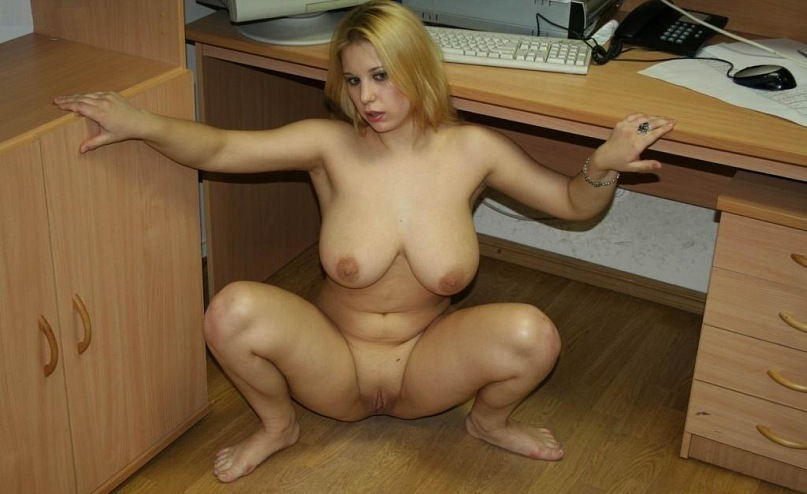 Naked beautiful wives at home waiting for husbands 15 photo