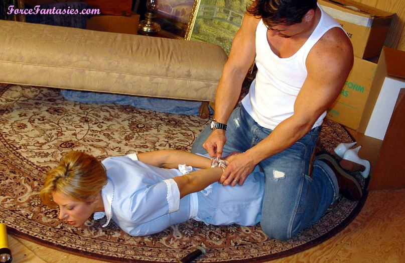 The robber raped pretty sexy maid 8 photo