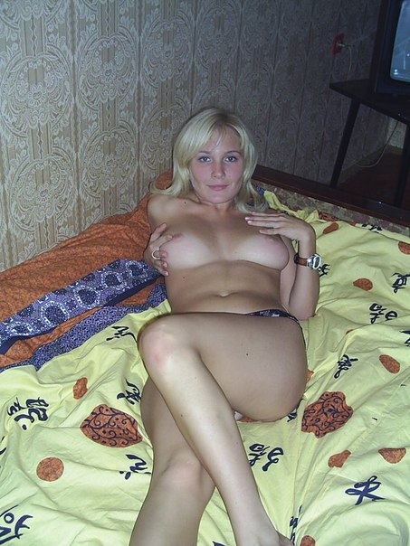 Immodest naked ladies show their charms 32 photo