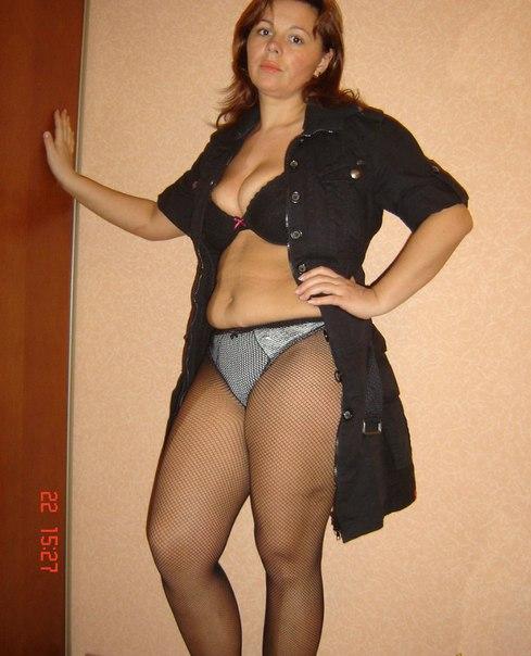realno-polnie-zhenshini-v-erotichnom-bele-foto
