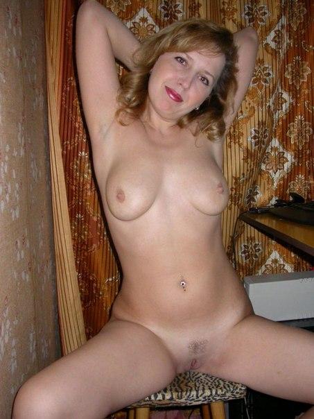 фото голеньких дам дома