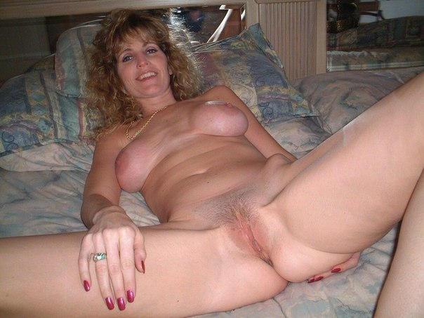 Beautiful vulgar mommies with her spread legs 21 photo