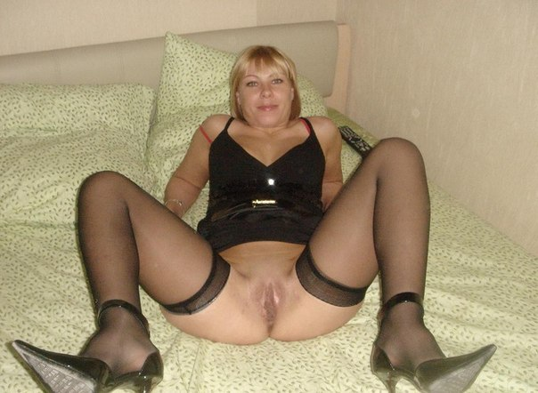 Beautiful vulgar mommies with her spread legs 34 photo