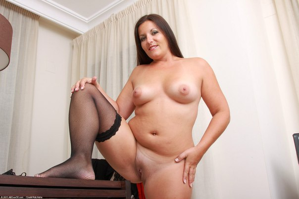 Beautiful vulgar mommies with her spread legs 3 photo