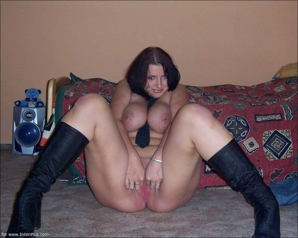 Beautiful vulgar mommies with her spread legs 6 photo