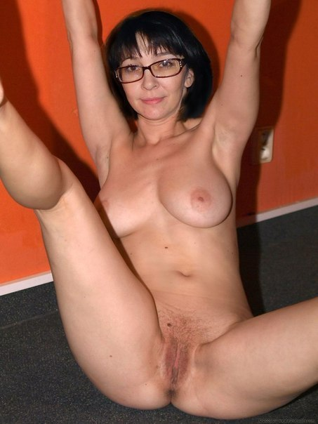 Mature naked ladies spreading legs photo 29 photo