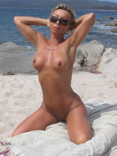Mature ladies with big tits porn photo 14 photo