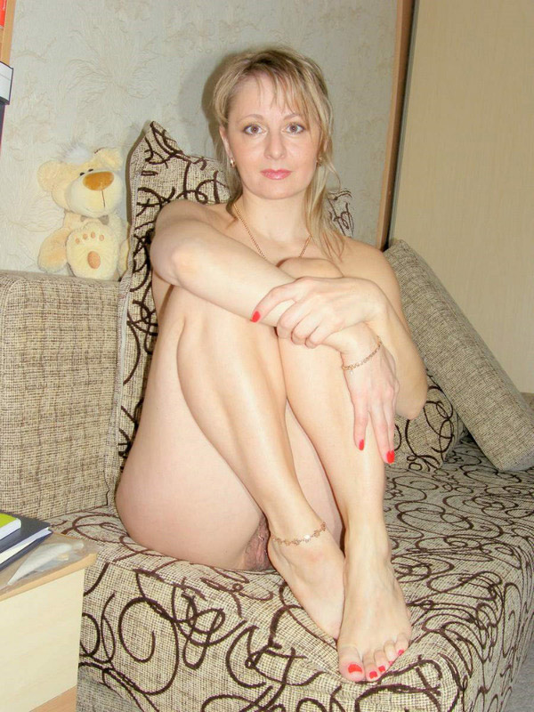 Home photos of naked vulgar chick 5 photo