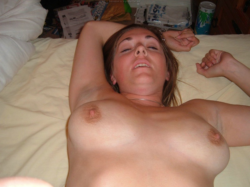 Wife does not constrain her vulgar desires and fantasies 9 photo