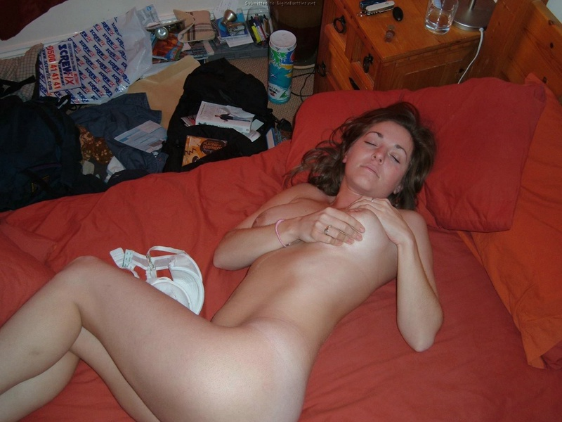 Wife does not constrain her vulgar desires and fantasies 13 photo