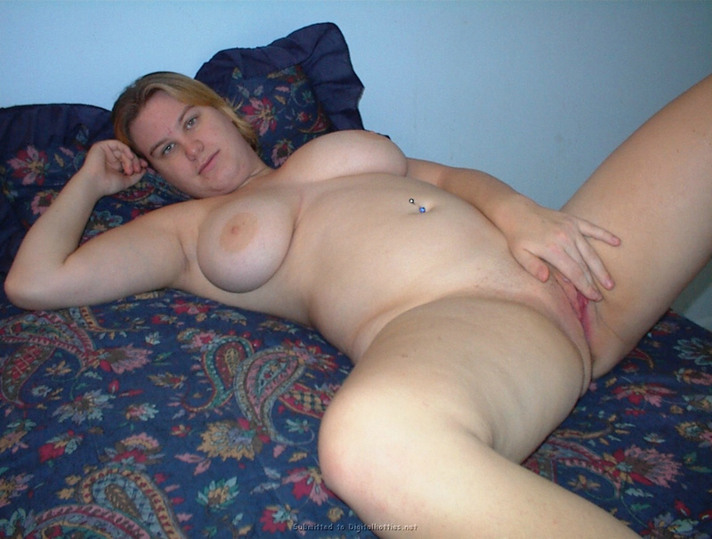 Fat woman with big tits no complexes 3 photo