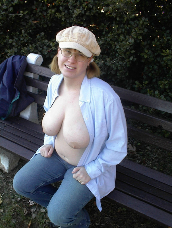 Fat woman with big tits no complexes 9 photo