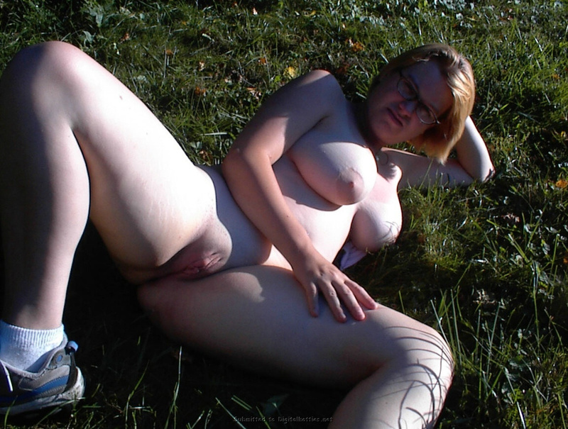 Fat woman with big tits no complexes 17 photo