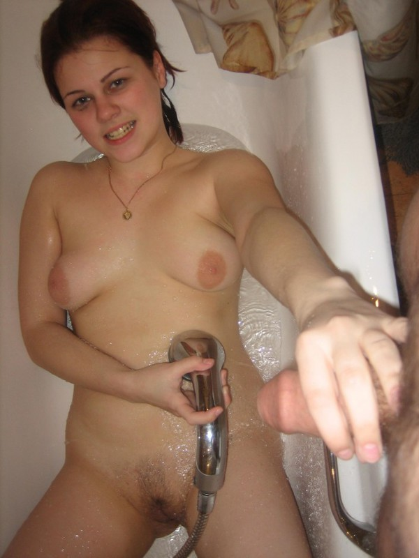 Young juicy whore suck dick after a shower 7 photo