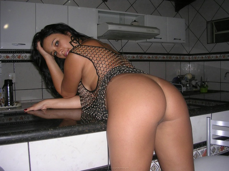 Hot brazilian brunette with cool booty and boobs 16 photo