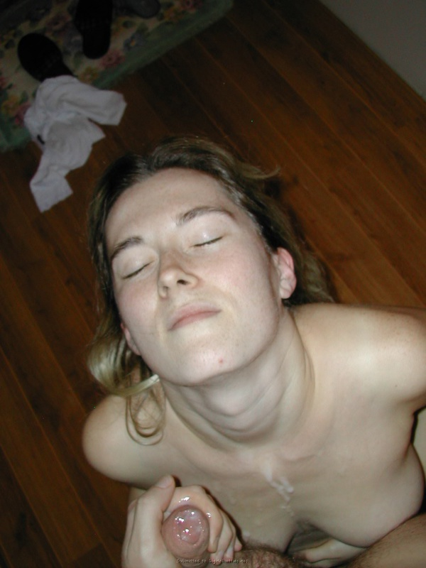 Guy brought a whore to the house and cum on her face 20 photo