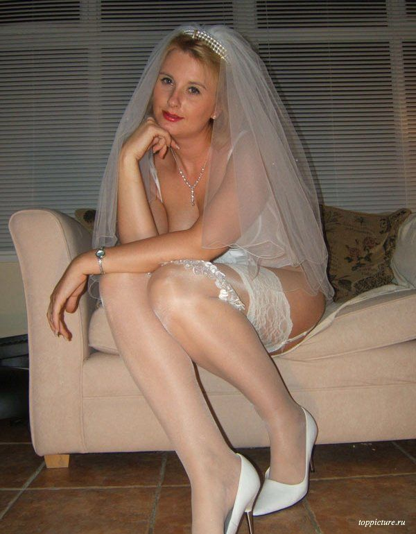 Wedding night horny bride who likes suck 22 photo