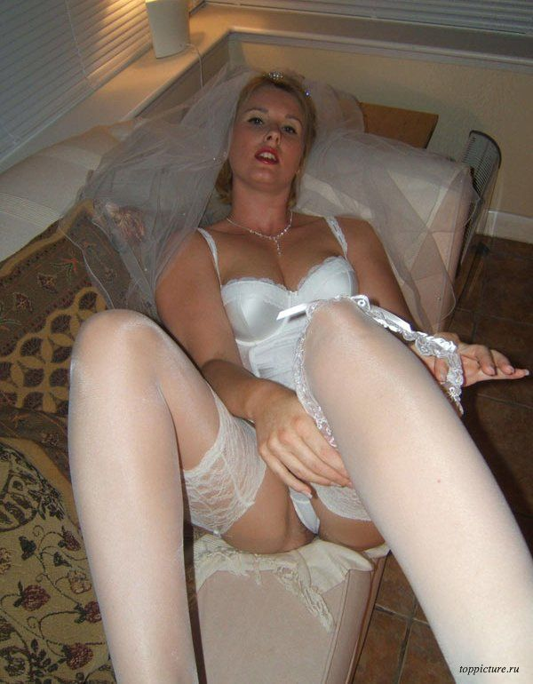 Wedding night horny bride who likes suck 25 photo