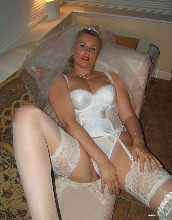 Wedding night horny bride who likes suck 24 photo