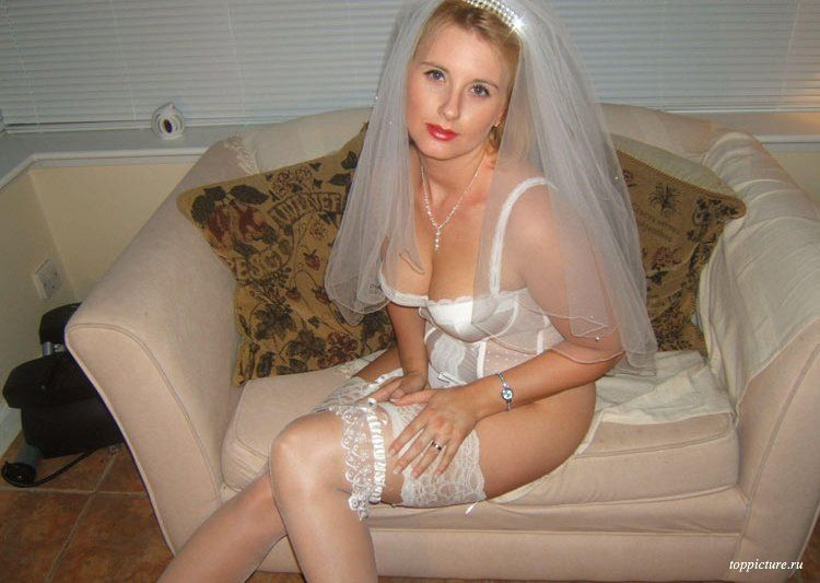 Wedding night horny bride who likes suck 26 photo