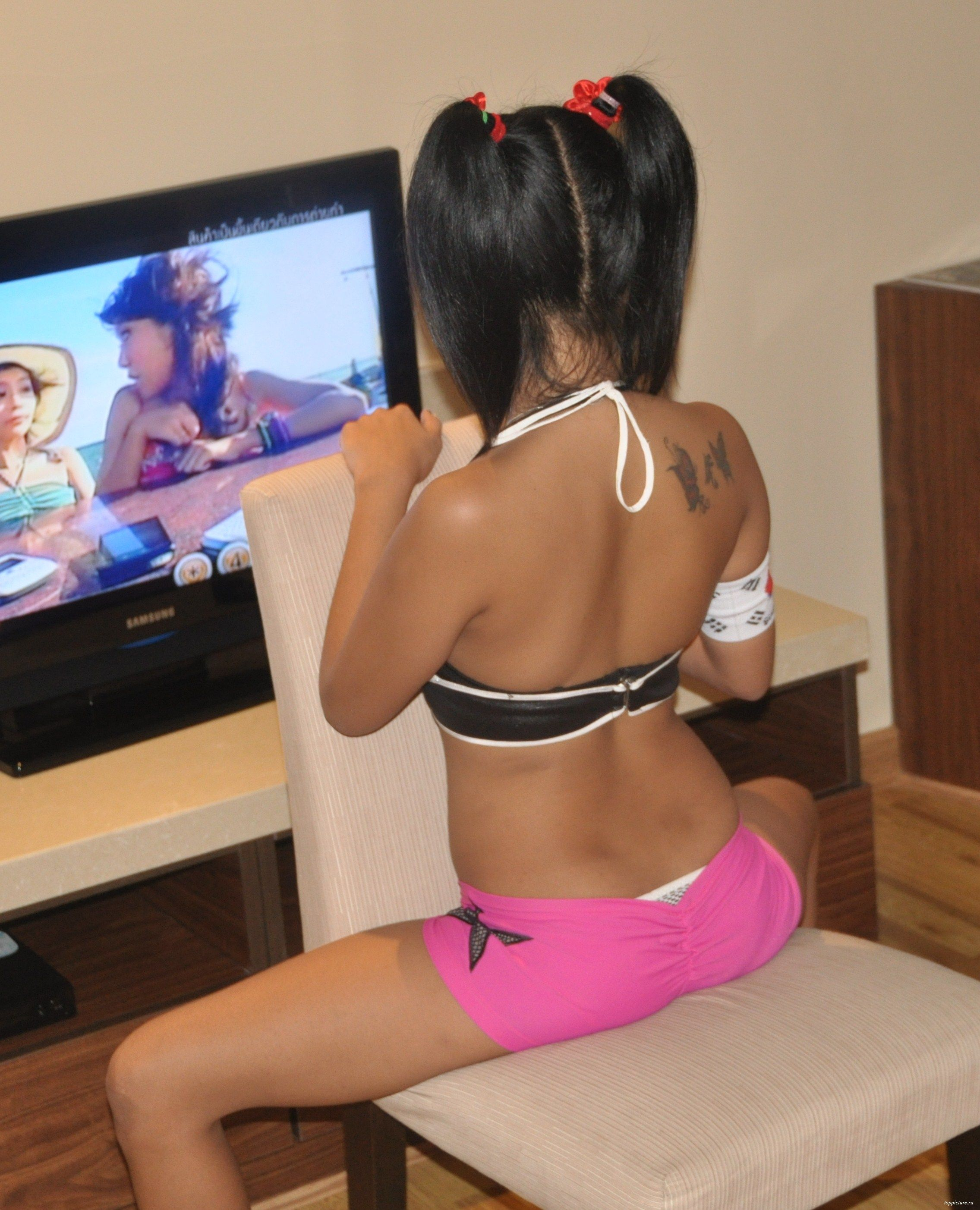 Two horny asian girls opened their big pussies 5 photo