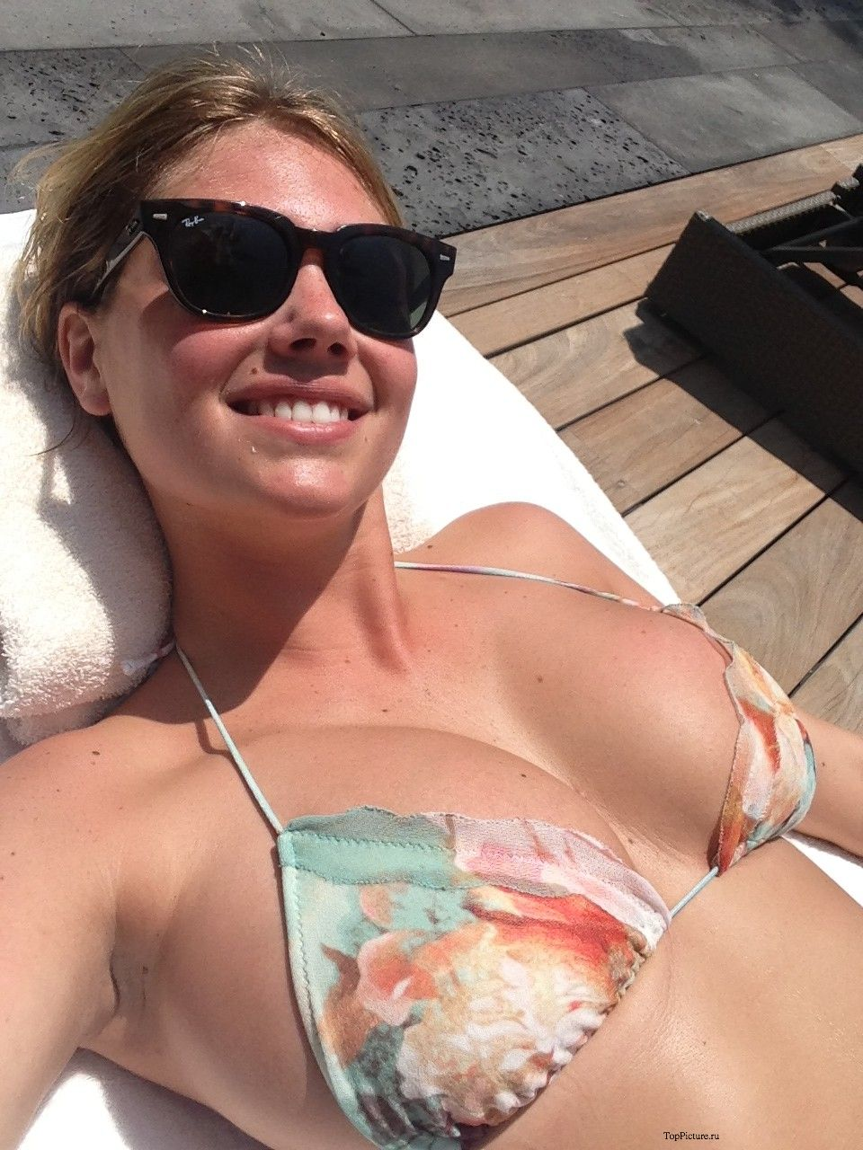 Sex photo of busty hot model Kate Upton 13 photo