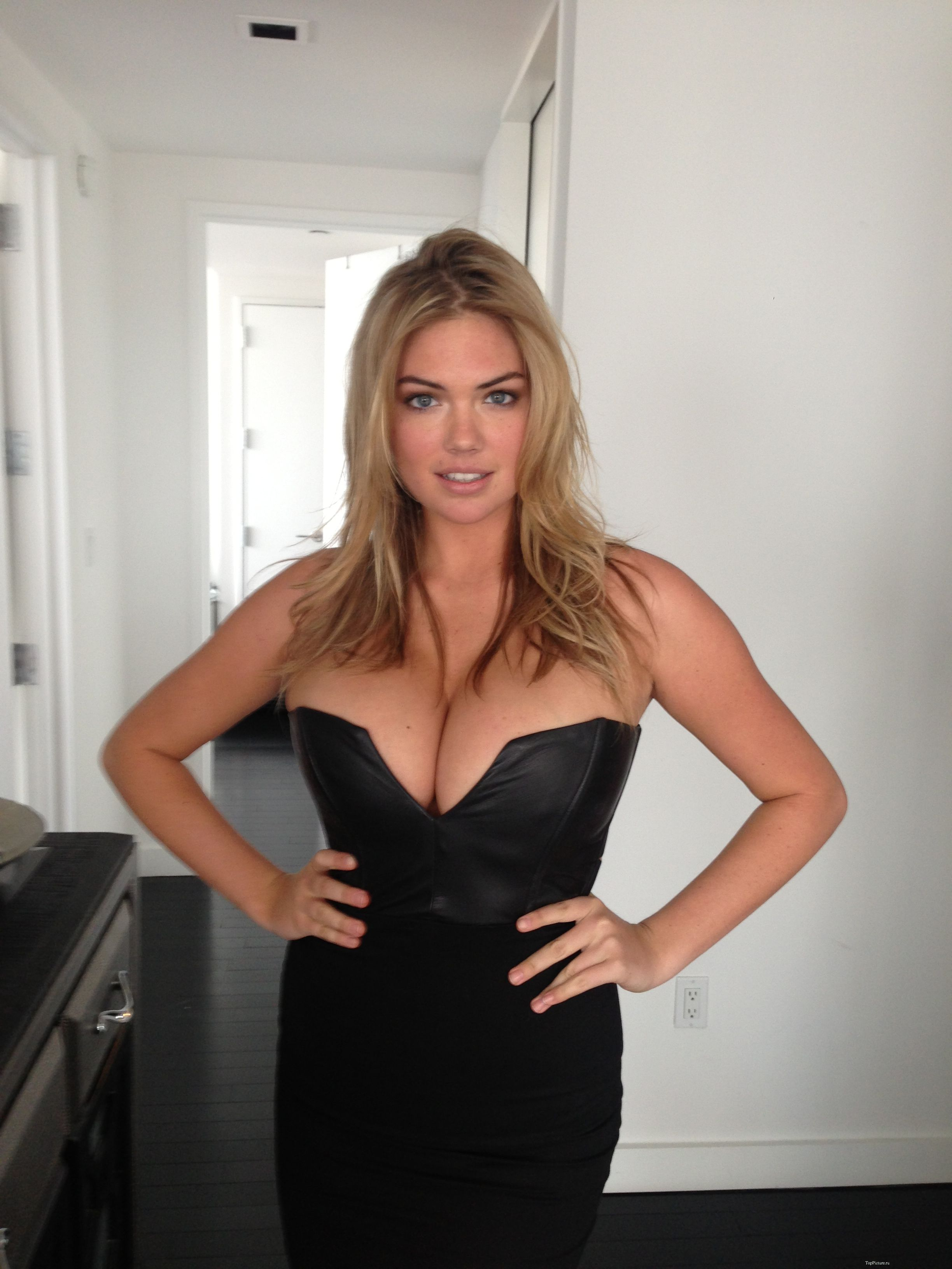 Sex photo of busty hot model Kate Upton 31 photo