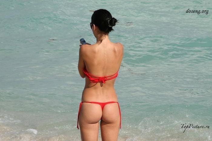 Hot chicks sunbathing topless on public beaches 19 photo