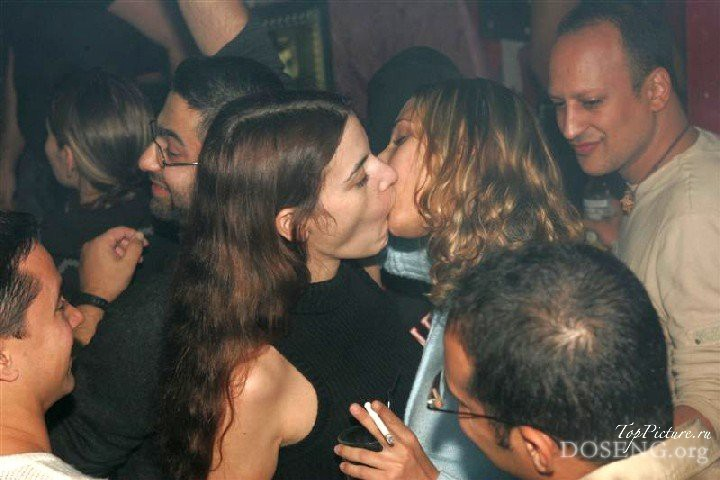 Party with naked drunk bitches in Tel Aviv 5 photo