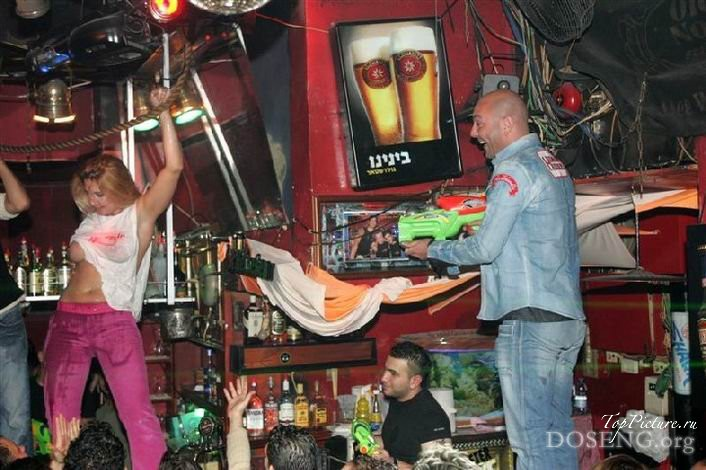 Party with naked drunk bitches in Tel Aviv 12 photo