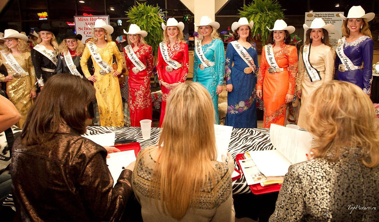 Showy photo beauties with Miss Rodeo 2 photo