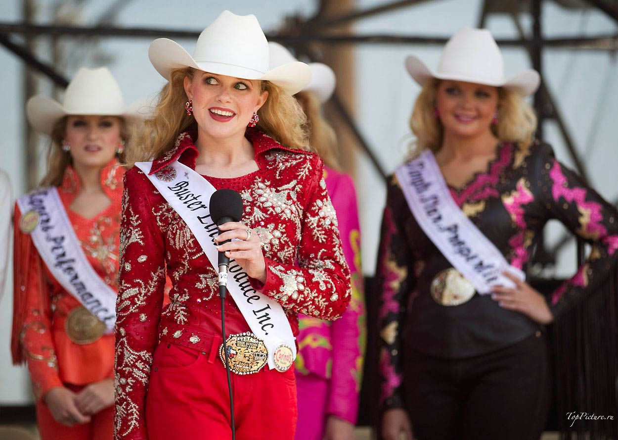 Showy photo beauties with Miss Rodeo 8 photo