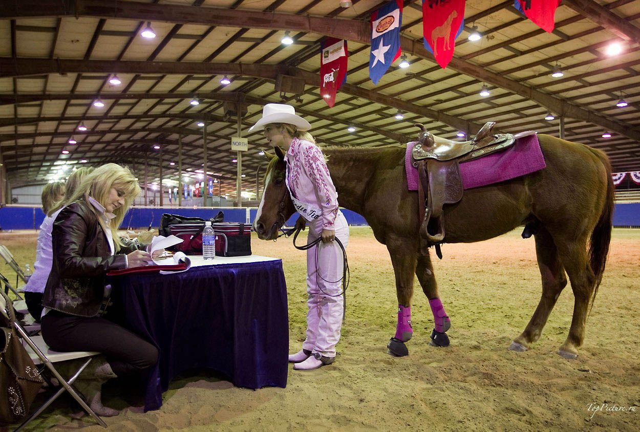 Showy photo beauties with Miss Rodeo 13 photo