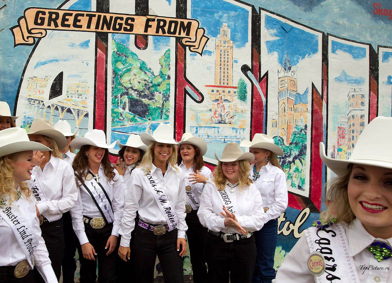 Showy photo beauties with Miss Rodeo 14 photo